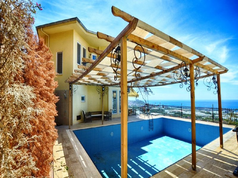 Villa with pool in famous Gold City Residence in Alanya title=