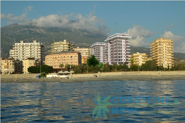 Seafront apartments in Mahmutlar title=