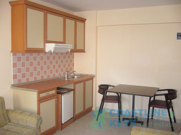 Small cosy apartment for rent in the center of Oba title=