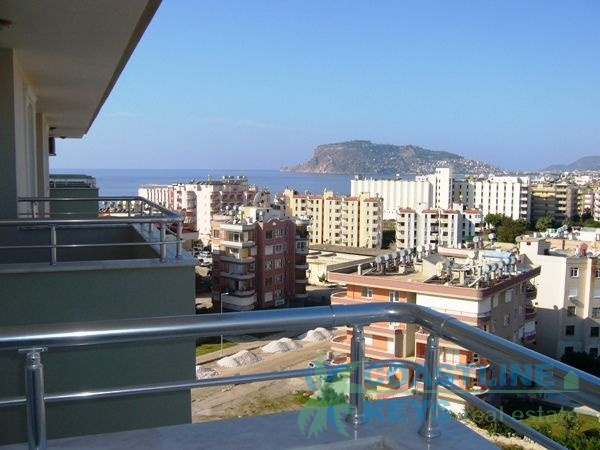 Luxury penthouse for rent in Tosmur title=