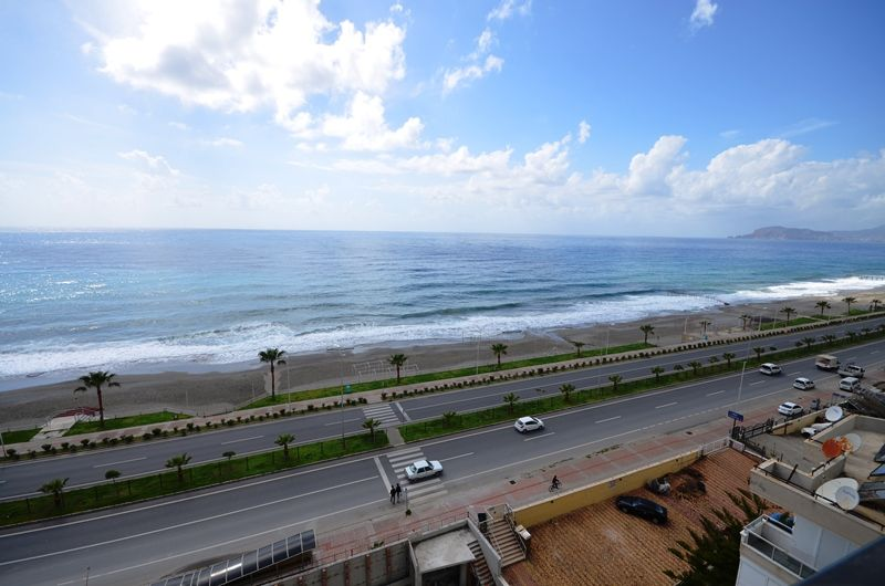 Beach front property under construction in Mahmutlar, Alanya title=