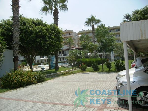 Resale beach front sea view villa in Mahmutlar title=