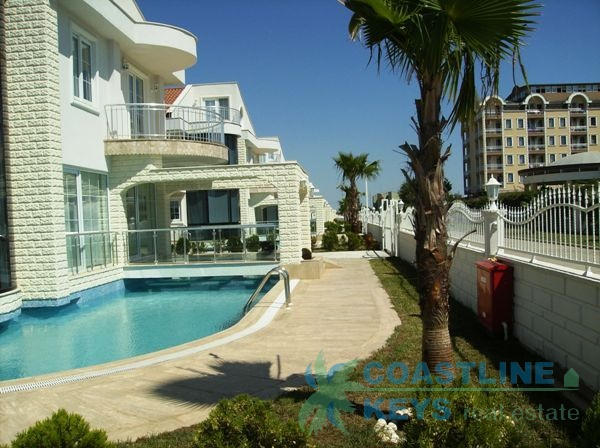 Elegant detached villas in Belek title=