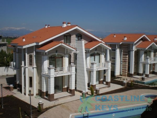 Beauiful semi-detached villas in Belek title=