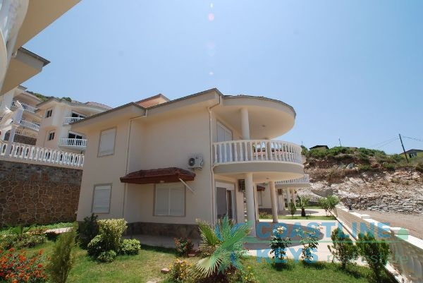 Sea view villas in Alanya Kargicak title=