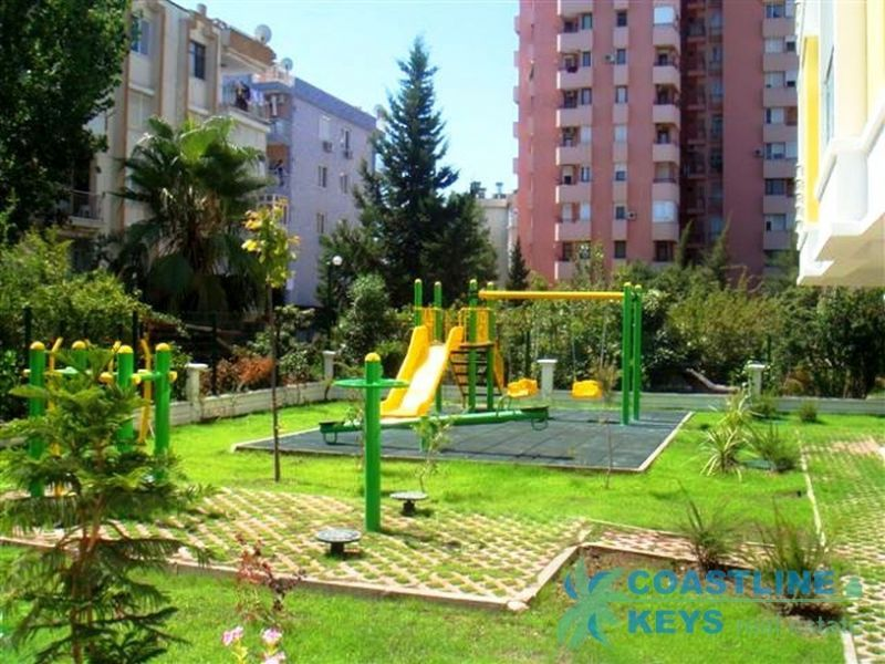 1 and 2-bedroom apartments near the sea in Antalya title=