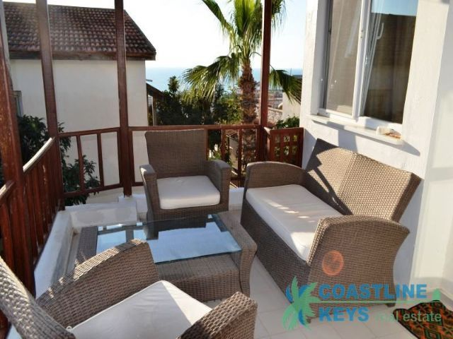 3-bedroom villa with nice sea view in Alanya title=