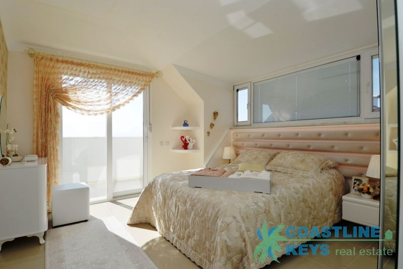 Penthouse near the sea in Kestel area, Alanya title=