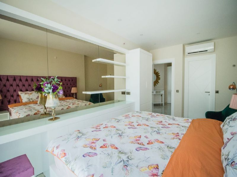 2-bedroom apartment for rent near the sea in Alanya title=