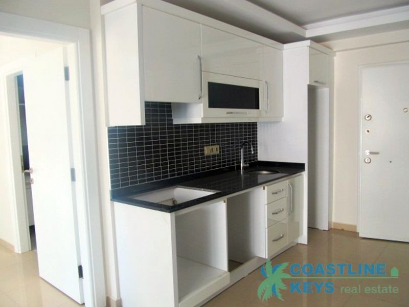 1-bedroom small apartment in a nice complex in Mahmutlar title=