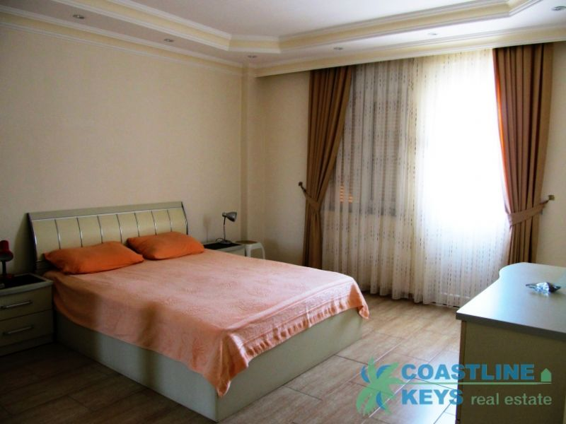 Furnished 2-bedroom large apartment in Oba, Alanya title=