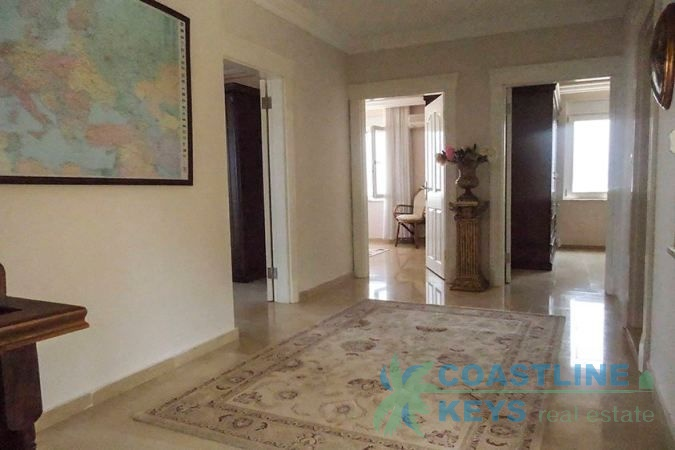 Beautiful 4 bedroom Villa in Alanya title=