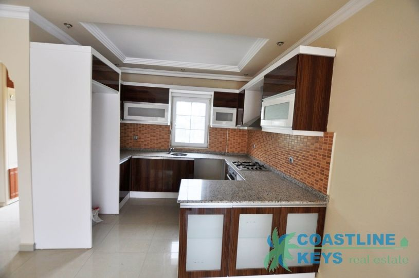 Duplexes in a nice complex with pool in Kemer title=