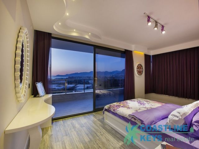 luxury residence with panoramic views in Alanya title=