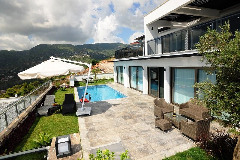 Luxury Villa 2+1 with the best view in Alanya! title=