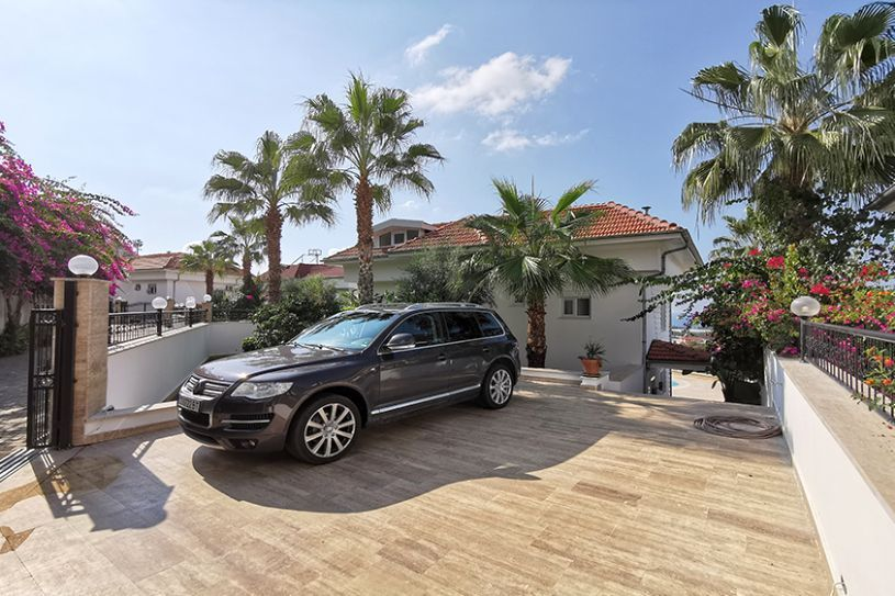 Villa for sale in Alanya title=