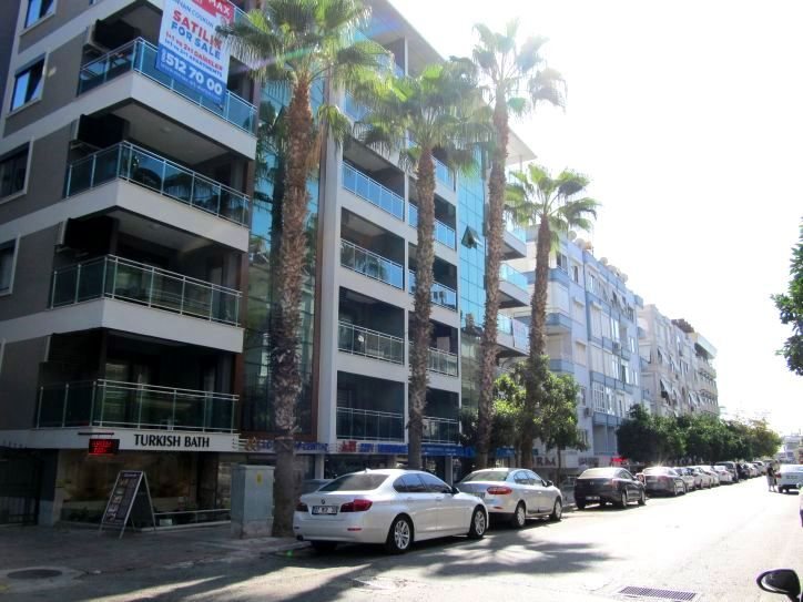 Gorgeous apartment in center of Alanya title=