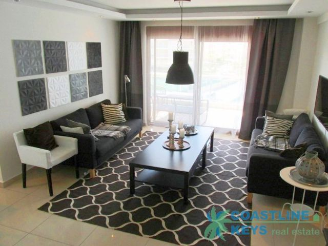 Furnished 2 bedroom apartment in elite complex in Alanya title=