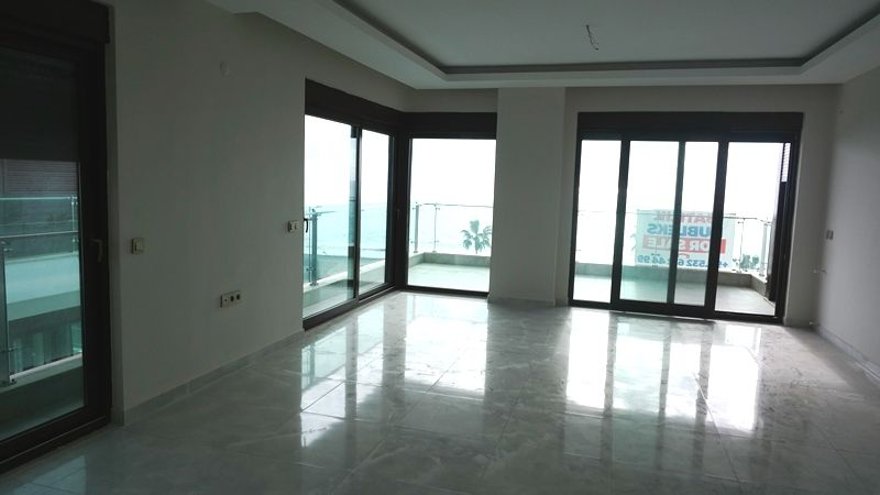 5+1 Penthouse on the 1st line! title=